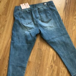 NWT Juicy Couture stretch Capri jeans size 18